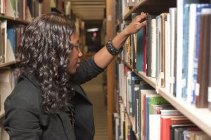 12-Honors_Students-Library-0209-WD-213_1250x833